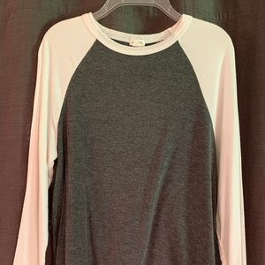GARAGE Soft 3/4 Sleeve Crew Top